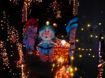 2009 Also Saw The Return Of The Snow White Float to The Electrical Parade, My Favorite Disney Parade Of All Time